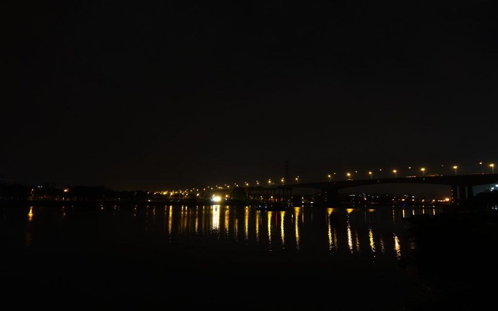 远方,桥,水,灯,往往一幅很不错的画面