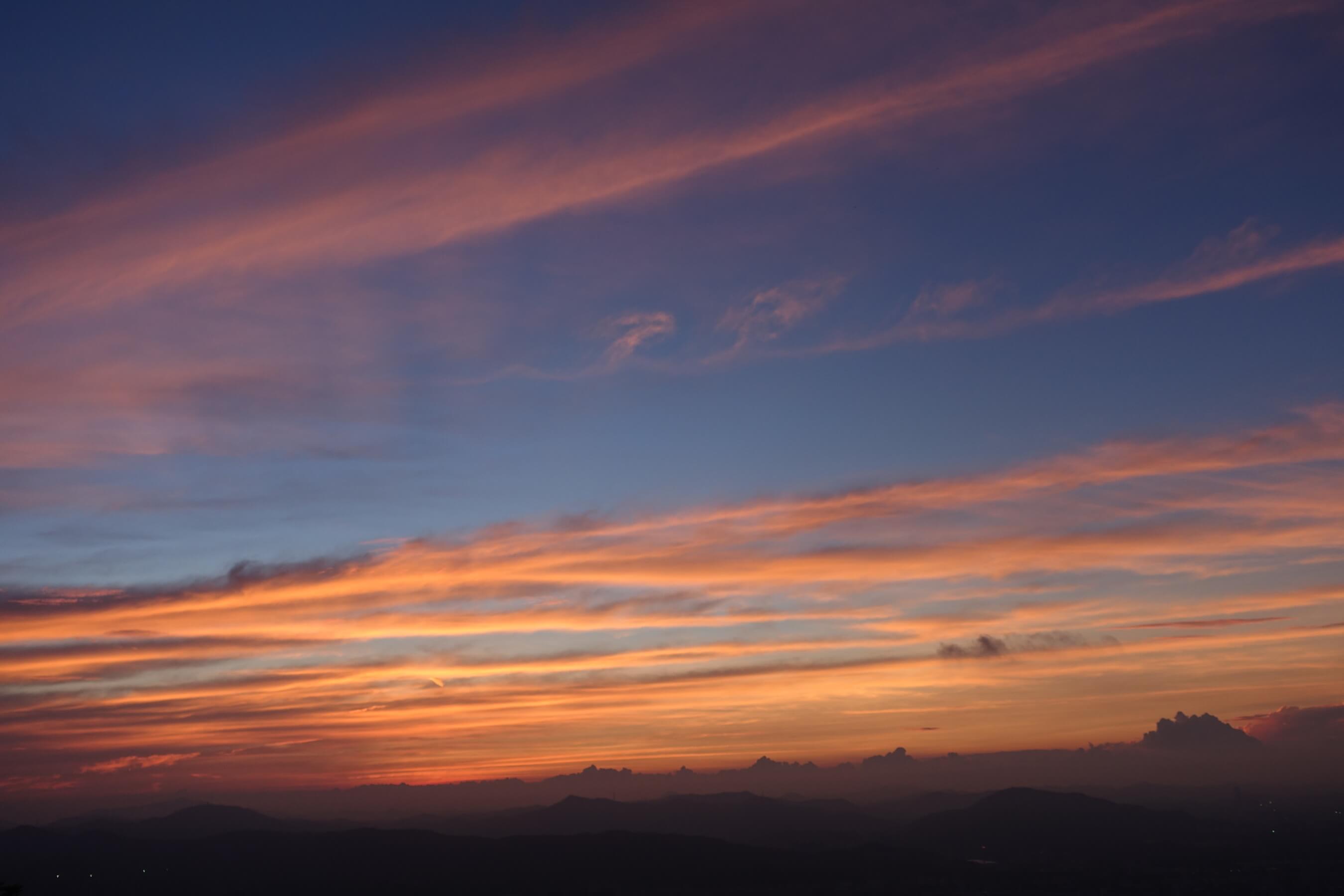 白云山日出前最美的云彩