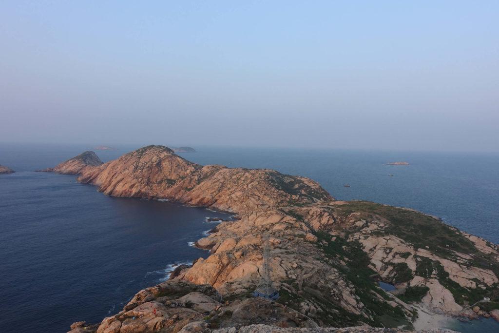 庙湾岛的一侧