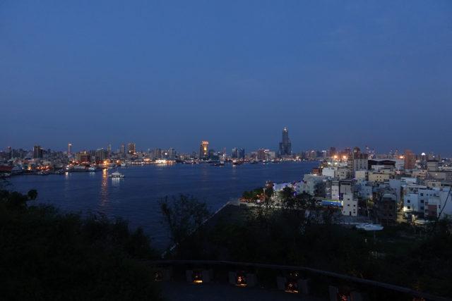 2018台湾5日 0518高雄 城市黄昏后夜景